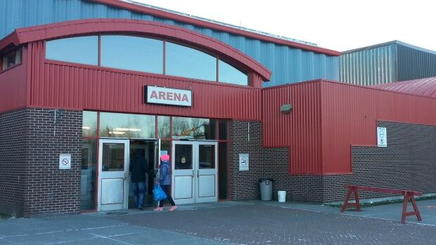 A man who collapsed Sunday at the hockey rink in Gander, N.L., was treated by three men, including Flyers goalie Patrick O'Brien, with paramedic training.