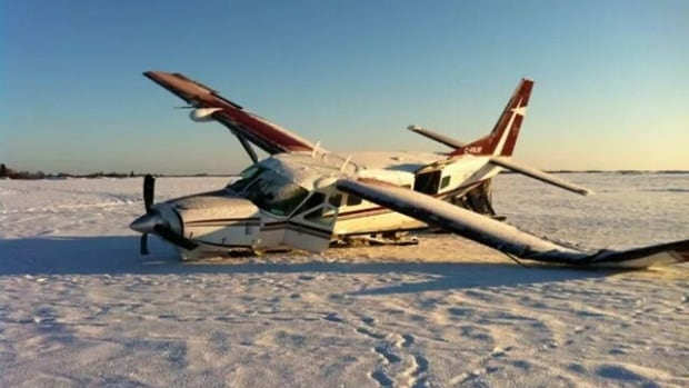 An Air Tindi Cessna Caravan made an emergency landing on Great Slave Lake in the early morning of Nov 20 due to icing. Five passengers and the pilot escaped unharmed. The incident highlighted gaps in weather information available to pilots in the North.