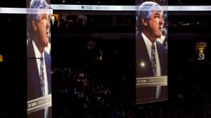 Canucks pay tribute to Pat Quinn