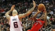 Raptors continue to roll, defeat Hawks