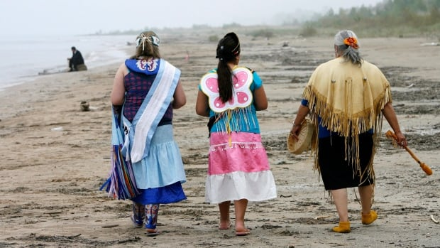 The agreement for Ipperwash Provincial Park to be transferred to the Chippewas of Kettle and Stony Point First Nation was signed in 2009.