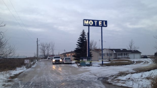 Rcmp investigate suspicious death of woman in manitoba for Motel one wellness