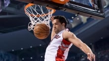 Landry Fields leaves Raptors-Pistons game after scary fall