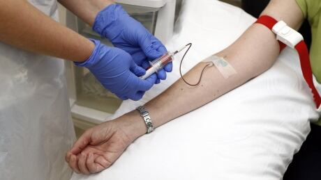 HEALTH-EBOLA/VACCINE