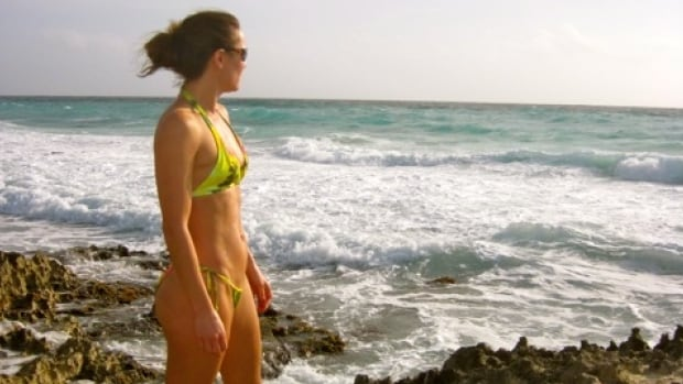 Calgary's Tamara Loiselle rescued two people who were in danger of drowning in the ocean in Cancun, Mexico, last week.