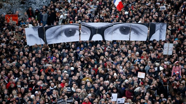 Hundreds of thousands of French citizens took part in a solidarity march in the streets of Paris on Sunday, in the wake of the massacre at the satirical weekly Charlie Hebdo.