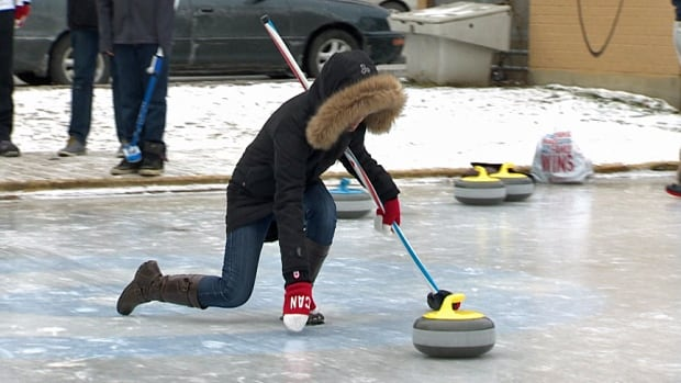 Do you want to try outdoor curling? You've got your chance in Toronto this winter.