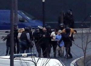 Paris hostage standoff ends