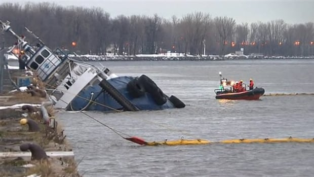 A boat near Trois-Rivières, Que., leaked at least 10,000 litres into the St. Lawrence River in December 2014.