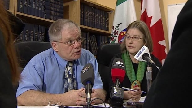 NDP MLAs Jim Tredger and Lois Moorcroft say the government won't accept that Yukoners don't want fracking in the territory.
