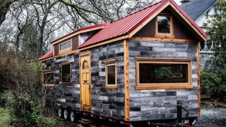 Lukow family 39 s 350 sq ft 39 tiny house 39 needs place to for Tiny homes for sale canada