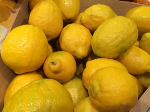 Uzbekistan lemons replace European fruit in Mosow grocery store