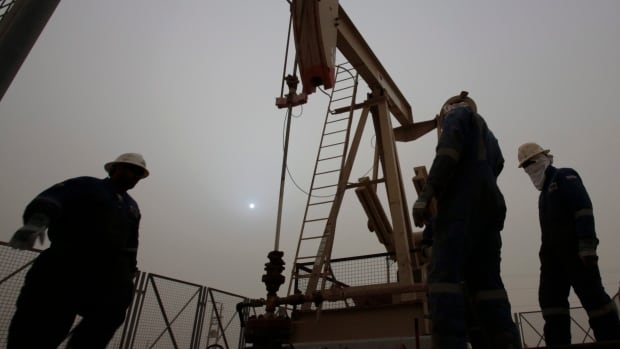 Oil output is still growing, worsening the worldwide glut of oil, according to recent reports.