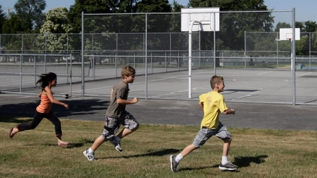 Youth basketball is one of the programs offered by HRM.