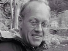 Journalist Chris Hedges speaks to nearly 100 Occupy Wall Street protesters in New York's Zuccotti Park.