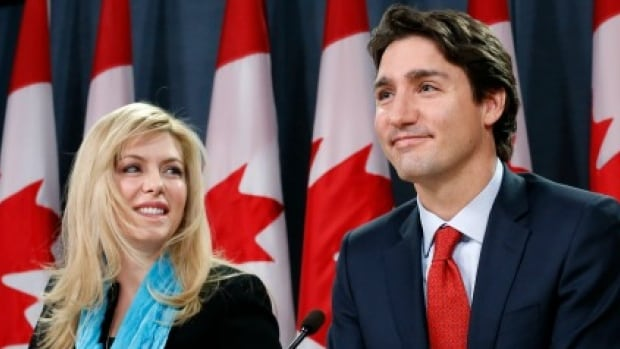 Canadian MP Eve Adams said on Monday she will leave the Conservative government to join the opposition Liberal Party.