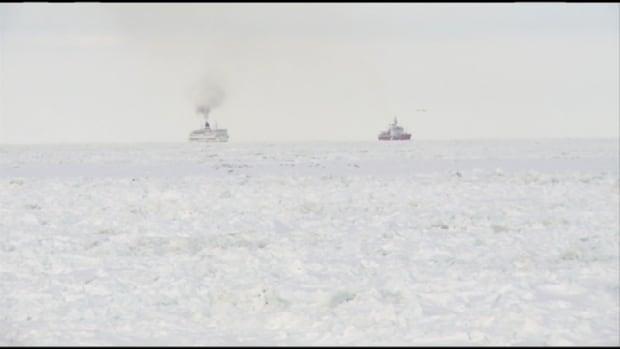 icebreaker escorting ferry to souris prince edward. Black Bedroom Furniture Sets. Home Design Ideas