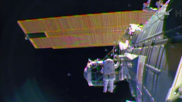 Spacewalking astronauts ready ISS for new crew capsules ...