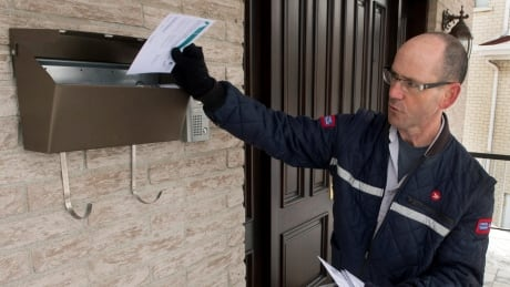 Letter Carriers Attacked 20150305