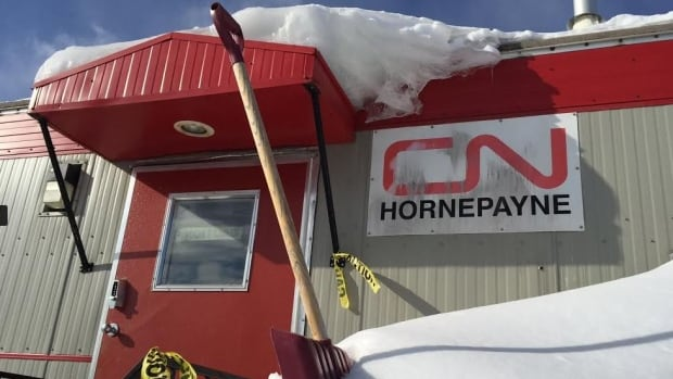 A CN spokesman says the rail carrier has determined there was no leakage from 16 cars that derailed Thursday morning in Hornepayne, in northern Ontario. CN crews have cleared the cars from the main line, and are beginning track repairs.