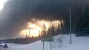 Ontario oil train derails