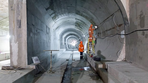 The Spadina subway extension is already over budget and behind schedule. Now, sources tell CBC News, the cost overrun is $400 million.
