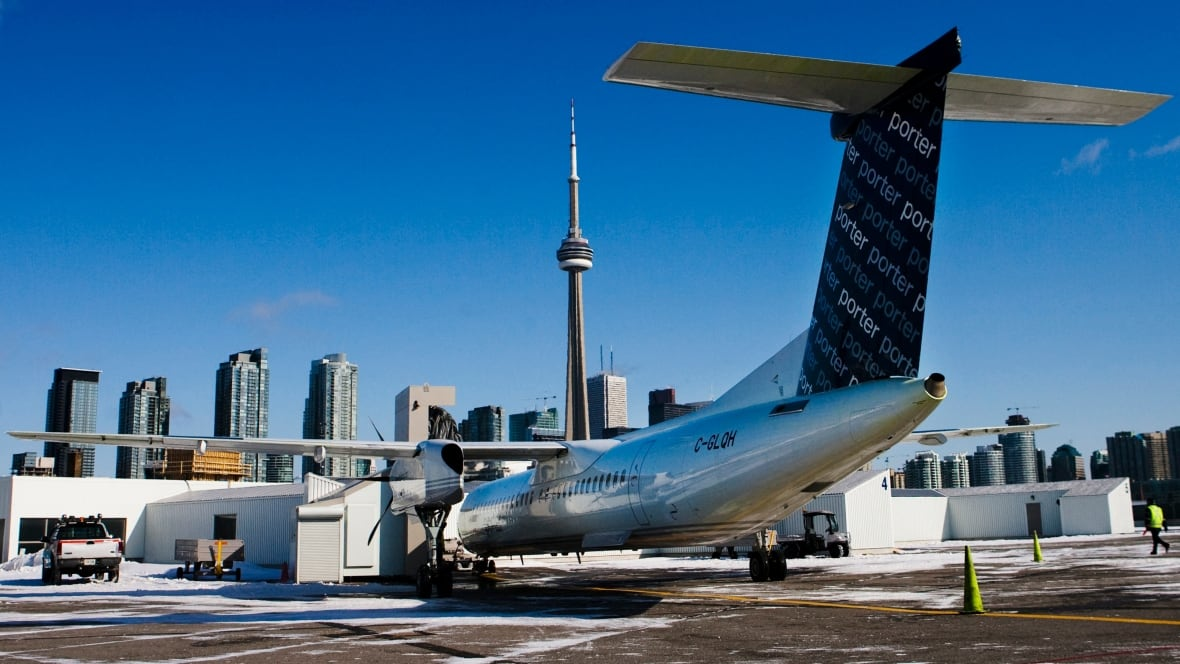 Air canada opposes porter 39 s jet plans for billy bishop for Porter canada