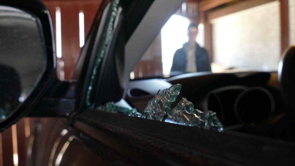Winnipeg Police Release 5 Tips To Prevent Car Break Ins