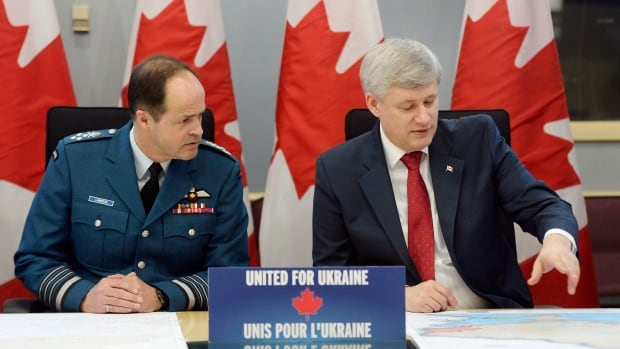 Chief of Defence Staff Tom Lawson joined Prime Minister Stephen Harper Tuesday to announce a new deployment of 200 troops on a training mission to western Ukraine, joining American and British allies in support of Ukrainian President Petro Poroshenko's combat forces.