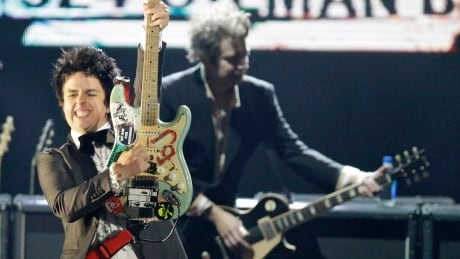 Green Day plows into Rock Hall along with Jett, Ringo, Reed