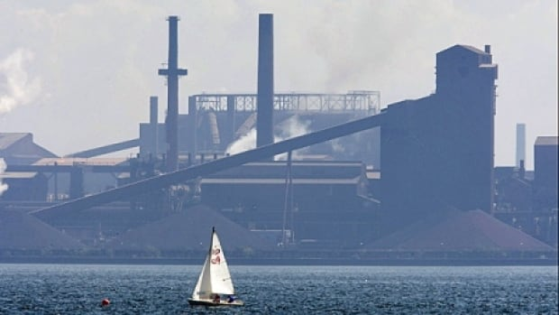Lawyers in an Ontario court argued whether the secret deal between the federal government and U.S Steel should be unsealed as part of the bankruptcy protection hearings.