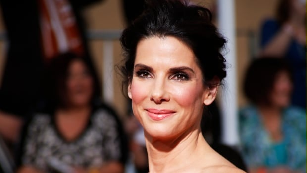 Sandra Bullock arrives at the Sandra Bullock
