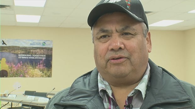 Ed Sangris, the chief of Dettah for the Yellowknives Dene First Nation, talks about his concerns about caribou at a technical session on the Ekati mine's proposed Jay project.