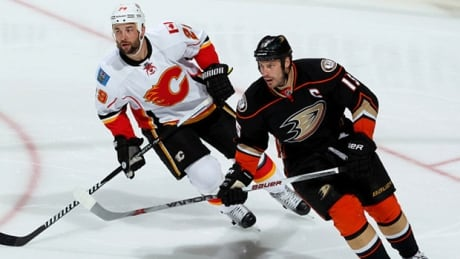 Ducks Look To Finish Off Flames