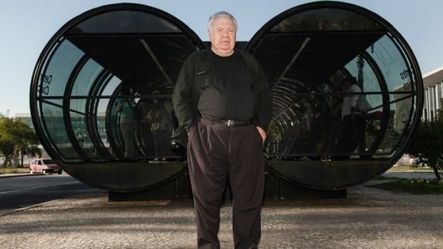 """Jaime Lerner, former Mayor of Curitiba and former Governor of Paraná, inventor of the """"garbage currency,"""" at one of Curitiba's groundbreaking bus tube stations."""