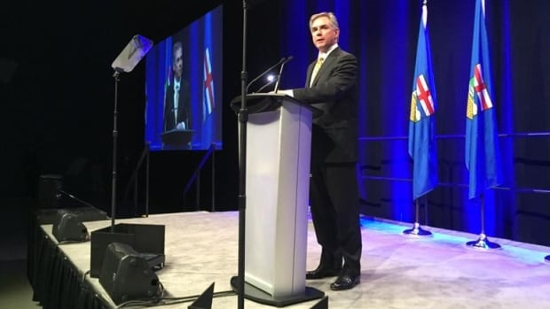 Jim Prentice addresses the crowd at the annual Calgary Leader's Dinner Thursday night at the Telus Convention Centre.
