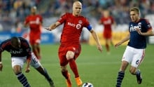 Toronto FC settle for draw with Revolution