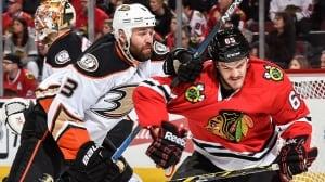 Ducks bounce back to reclaim series lead over Blackhawks