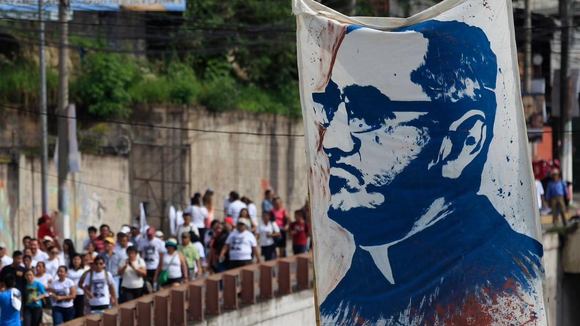 a biography of oscar romero a salvadorian roman catholic prelate Known as a champion of the poor and a voice for the voiceless, oscar romero's beatification had been blocked for three decades by church conservatives until pope.