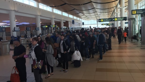 Winnipeg's Richardson International Airport announced Wednesday that it broke its record for passenger traffic in 2015.