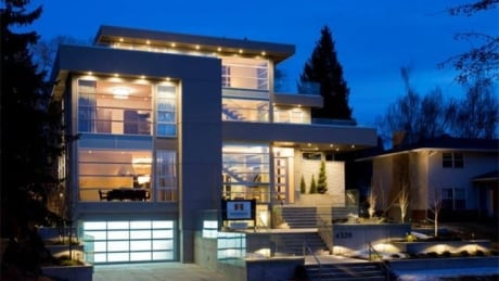 Calgary real estate market flush with luxury homes