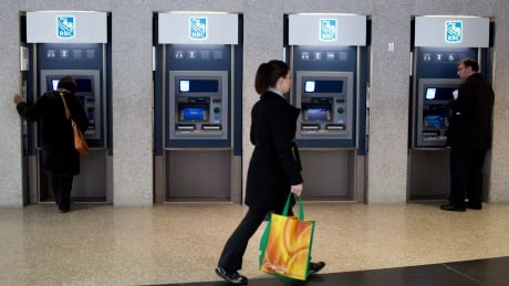 Bank customers ticked off with long waits, higher fees