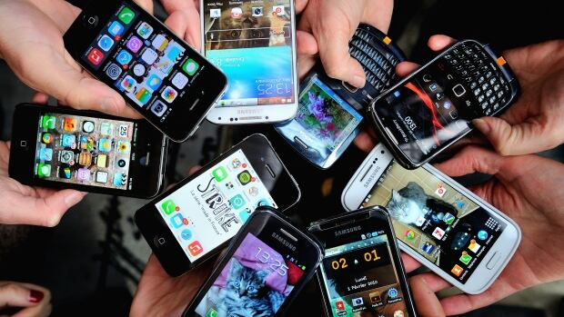 With the influx of new cellphones, upgrading becomes tempting. So what do you do with your old phone? There are ways to both sell and buy phones to reduce the risk of sketchy dealings.