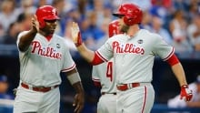 Phillies hold on for win over Blue Jays