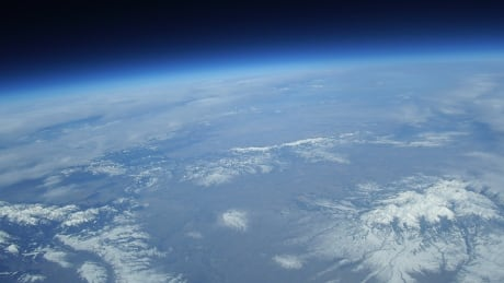 U.S. university's lost 'near-space' balloon crash-lands in Lake Winnipeg