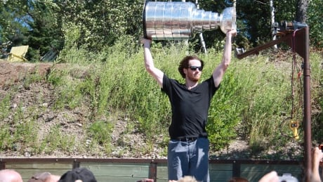 Stanley Cup sighting in Lester Beach thrills cottagers