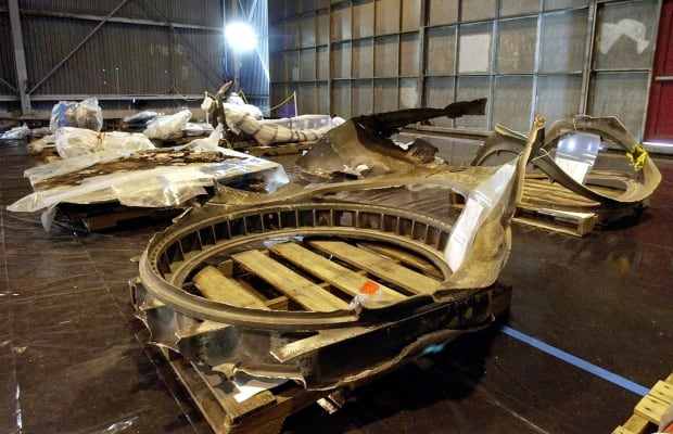 Challenger Columbia Shuttle Wreckage Going On Display