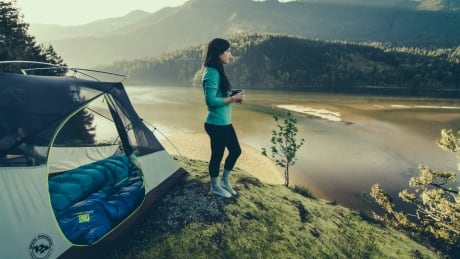 3 tips and trails for multi-day hikes