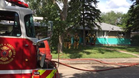 Regina fire extinguished Sunday, starts up again Monday