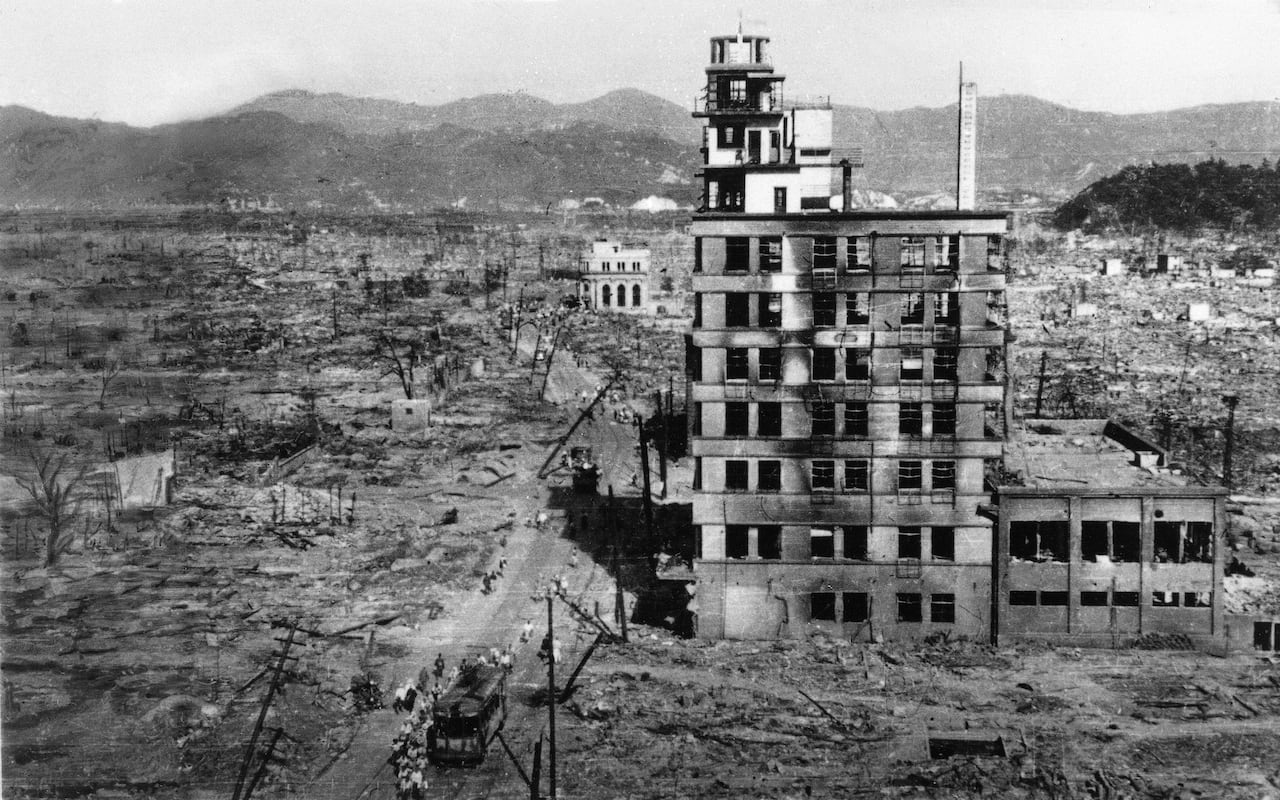 hiroshima nagasaki essay the atomic bomb hiroshima and nagasaki letter autobiography essaya photo essay on the bombing of hiroshima and nagasaki the